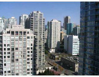 "Photo 10: 2509 939 EXPO Boulevard in Vancouver: Downtown VW Condo for sale in ""MAX 2"" (Vancouver West)  : MLS®# V700944"