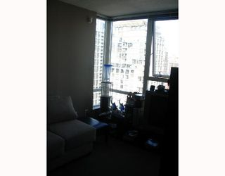"Photo 9: 2509 939 EXPO Boulevard in Vancouver: Downtown VW Condo for sale in ""MAX 2"" (Vancouver West)  : MLS®# V700944"