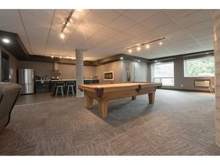 Photo 17: 110 2242 WHATCOM Road in Abbotsford: Abbotsford East Condo for sale : MLS®# R2399148