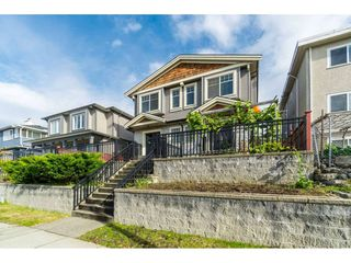 Photo 2: 4674 VICTORIA Drive in Vancouver: Victoria VE House 1/2 Duplex for sale (Vancouver East)  : MLS®# R2413120