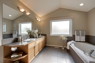 Photo 15: 1672 HECTOR Road in Edmonton: Zone 14 House for sale : MLS®# E4177412