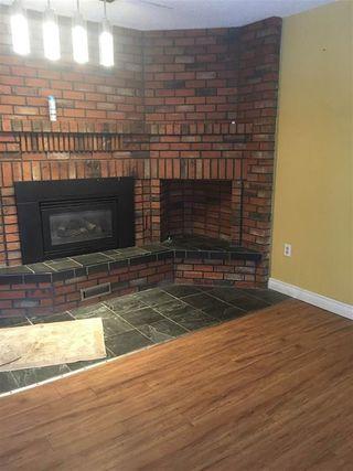 Photo 4: 10206 90 Street in Edmonton: Zone 13 House Half Duplex for sale : MLS®# E4178514