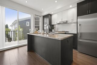 Photo 3: 103 528 FOSTER Avenue in Coquitlam: Coquitlam West Townhouse for sale : MLS®# R2418021
