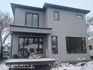 Photo 4: 10961 73 Avenue NW in Edmonton: Zone 15 House for sale : MLS®# E4181890