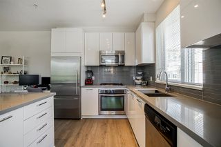 """Photo 10: 304 717 CHESTERFIELD Avenue in North Vancouver: Central Lonsdale Condo for sale in """"The Residences at Queen Mary by Polygon"""" : MLS®# R2478604"""
