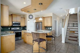 Photo 10: 19 VALLEY STREAM Place NW in Calgary: Valley Ridge Detached for sale : MLS®# A1026881