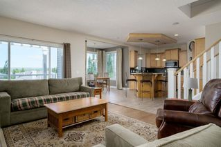 Photo 16: 19 VALLEY STREAM Place NW in Calgary: Valley Ridge Detached for sale : MLS®# A1026881