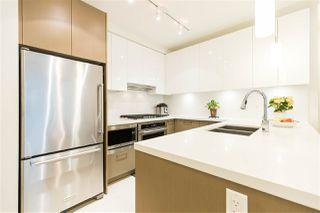 Photo 2: 901 3080 LINCOLN AVENUE in Coquitlam: North Coquitlam Condo for sale : MLS®# R2465679