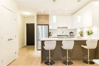 Photo 1: 901 3080 LINCOLN AVENUE in Coquitlam: North Coquitlam Condo for sale : MLS®# R2465679