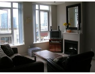 "Photo 1: 605 1001 HOMER Street in Vancouver: Downtown VW Condo for sale in ""BENTLEY"" (Vancouver West)  : MLS®# V655395"