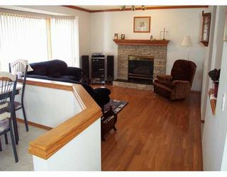 Photo 3:  in CALGARY: Douglasdale Estates Residential Detached Single Family for sale (Calgary)  : MLS®# C3208098