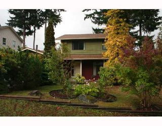 "Photo 9: 560 OCEANVIEW Drive in Gibsons: Gibsons & Area House for sale in ""WOODCREEK PARK"" (Sunshine Coast)  : MLS®# V672375"