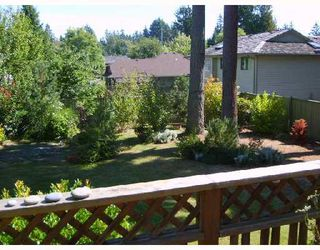 "Photo 8: 560 OCEANVIEW Drive in Gibsons: Gibsons & Area House for sale in ""WOODCREEK PARK"" (Sunshine Coast)  : MLS®# V672375"