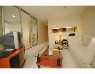 """Photo 2: 1288 Alberni """"Palisades"""" in Vancouver: Downtown VW Condo for sale (Vancouver West)  : MLS®# V745448"""