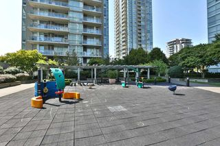 "Photo 10: 2604 2978 GLEN Drive in Coquitlam: North Coquitlam Condo for sale in ""GRAND CENTRAL 1"" : MLS®# R2389836"