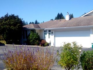 """Main Photo: 63 20762 TELEGRAPH Trail in Langley: Walnut Grove Townhouse for sale in """"Woodbridge"""" : MLS®# R2394375"""