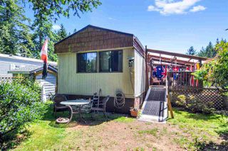"Photo 19: 33 2305 200 Street in Langley: Brookswood Langley Manufactured Home for sale in ""Cedar Lane Park"" : MLS®# R2465102"