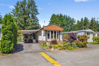 "Photo 1: 33 2305 200 Street in Langley: Brookswood Langley Manufactured Home for sale in ""Cedar Lane Park"" : MLS®# R2465102"