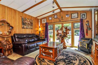 "Photo 3: 33 2305 200 Street in Langley: Brookswood Langley Manufactured Home for sale in ""Cedar Lane Park"" : MLS®# R2465102"