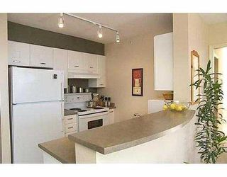 """Photo 7: 3438 VANNESS Ave in Vancouver: Collingwood VE Condo for sale in """"CENTRO"""" (Vancouver East)  : MLS®# V634269"""