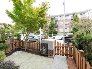 """Photo 2: 214 BROOKES Street in New Westminster: Queensborough Condo for sale in """"RED BOAT AT PORT ROYAL"""" : MLS®# R2488520"""