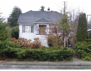 Photo 1: 1222 W 15TH ST in North Vancouver: House for sale : MLS®# V817069