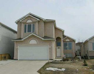 Main Photo: 215 SHOREHILL Drive in Winnipeg: Windsor Park / Southdale / Island Lakes Single Family Detached for sale (South East Winnipeg)  : MLS®# 2604585