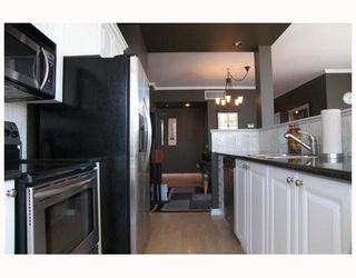 """Photo 4: 2702 1166 MELVILLE Street in Vancouver: Coal Harbour Condo for sale in """"ORCA PLACE"""" (Vancouver West)  : MLS®# V669737"""