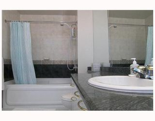 """Photo 7: 2702 1166 MELVILLE Street in Vancouver: Coal Harbour Condo for sale in """"ORCA PLACE"""" (Vancouver West)  : MLS®# V669737"""