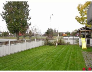 Photo 10: 8621 215TH Street in Langley: Walnut Grove House for sale : MLS®# F2728406