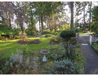 Photo 3: 1130 CORTELL Street in North_Vancouver: Pemberton Heights House for sale (North Vancouver)  : MLS®# V678853