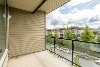 "Photo 17: 413 33539 HOLLAND Avenue in Abbotsford: Central Abbotsford Condo for sale in ""The Crossing"" : MLS®# R2465000"