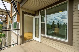 "Photo 19: 413 33539 HOLLAND Avenue in Abbotsford: Central Abbotsford Condo for sale in ""The Crossing"" : MLS®# R2465000"
