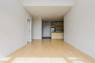 "Photo 6: 413 33539 HOLLAND Avenue in Abbotsford: Central Abbotsford Condo for sale in ""The Crossing"" : MLS®# R2465000"