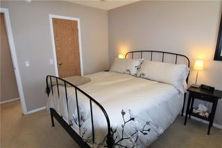 Photo 16: 127 MILLCREST Way SW in Calgary: Millrise Detached for sale : MLS®# C4306441