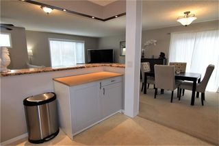 Photo 6: 127 MILLCREST Way SW in Calgary: Millrise Detached for sale : MLS®# C4306441