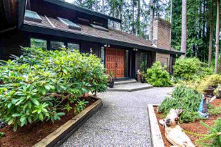 "Photo 3: 5845 237A Street in Langley: Salmon River House for sale in ""Tall Timber Estates"" : MLS®# R2495594"