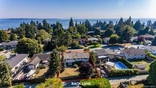 """Photo 7: 13861 MALABAR Avenue: White Rock House for sale in """"White Rock"""" (South Surrey White Rock)  : MLS®# R2514273"""
