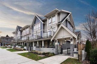"""Main Photo: 2 115 W QUEENS Road in North Vancouver: Upper Lonsdale Townhouse for sale in """"Queen's Landing"""" : MLS®# R2529990"""