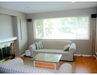 Photo 9: 4321 DOLLAR RD in North Vancouver: House for sale : MLS®# V789204