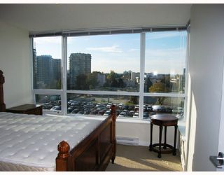 "Photo 7: 903 7555 ALDERBRIDGE Way in Richmond: Brighouse Condo for sale in ""OCEAN WALK"" : MLS®# V672683"