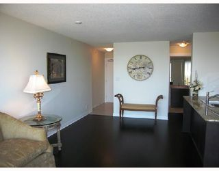 "Photo 5: 903 7555 ALDERBRIDGE Way in Richmond: Brighouse Condo for sale in ""OCEAN WALK"" : MLS®# V672683"
