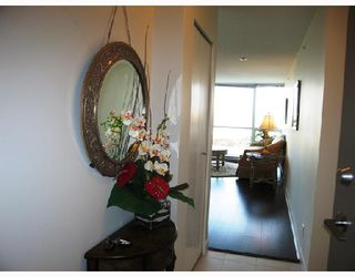 "Photo 2: 903 7555 ALDERBRIDGE Way in Richmond: Brighouse Condo for sale in ""OCEAN WALK"" : MLS®# V672683"