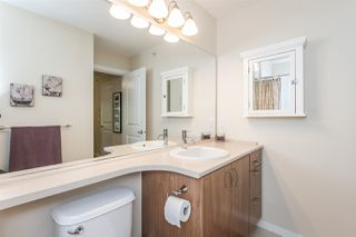 """Photo 13: 407 3082 DAYANEE SPRINGS Boulevard in Coquitlam: Westwood Plateau Condo for sale in """"LANTERNS"""" : MLS®# R2389604"""