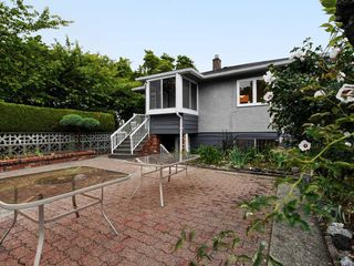 Photo 18: 2309 RUPERT Street in Vancouver: Renfrew VE House for sale (Vancouver East)  : MLS®# R2398091