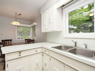 Photo 10: 2309 RUPERT Street in Vancouver: Renfrew VE House for sale (Vancouver East)  : MLS®# R2398091