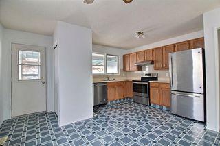 Photo 2: 8307 190 Street in Edmonton: Zone 20 House for sale : MLS®# E4184555