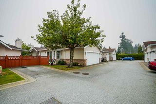 "Photo 2: 18 9163 FLEETWOOD Way in Surrey: Fleetwood Tynehead Townhouse for sale in ""The Fountains"" : MLS®# R2498462"
