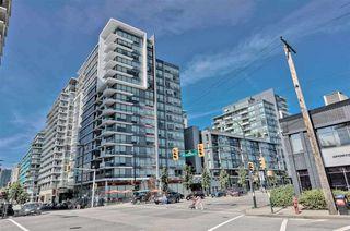 "Photo 2: 1004 1887 CROWE Street in Vancouver: False Creek Condo for sale in ""Pinnacle Living"" (Vancouver West)  : MLS®# R2512941"