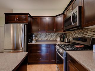 Photo 10: 886 Isabell Ave in : La Walfred Row/Townhouse for sale (Langford)  : MLS®# 859022